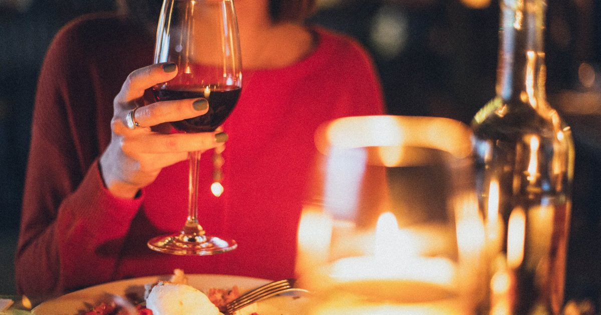 Study: A Surprising Percentage of Women Go On Dates Just For the Free Food