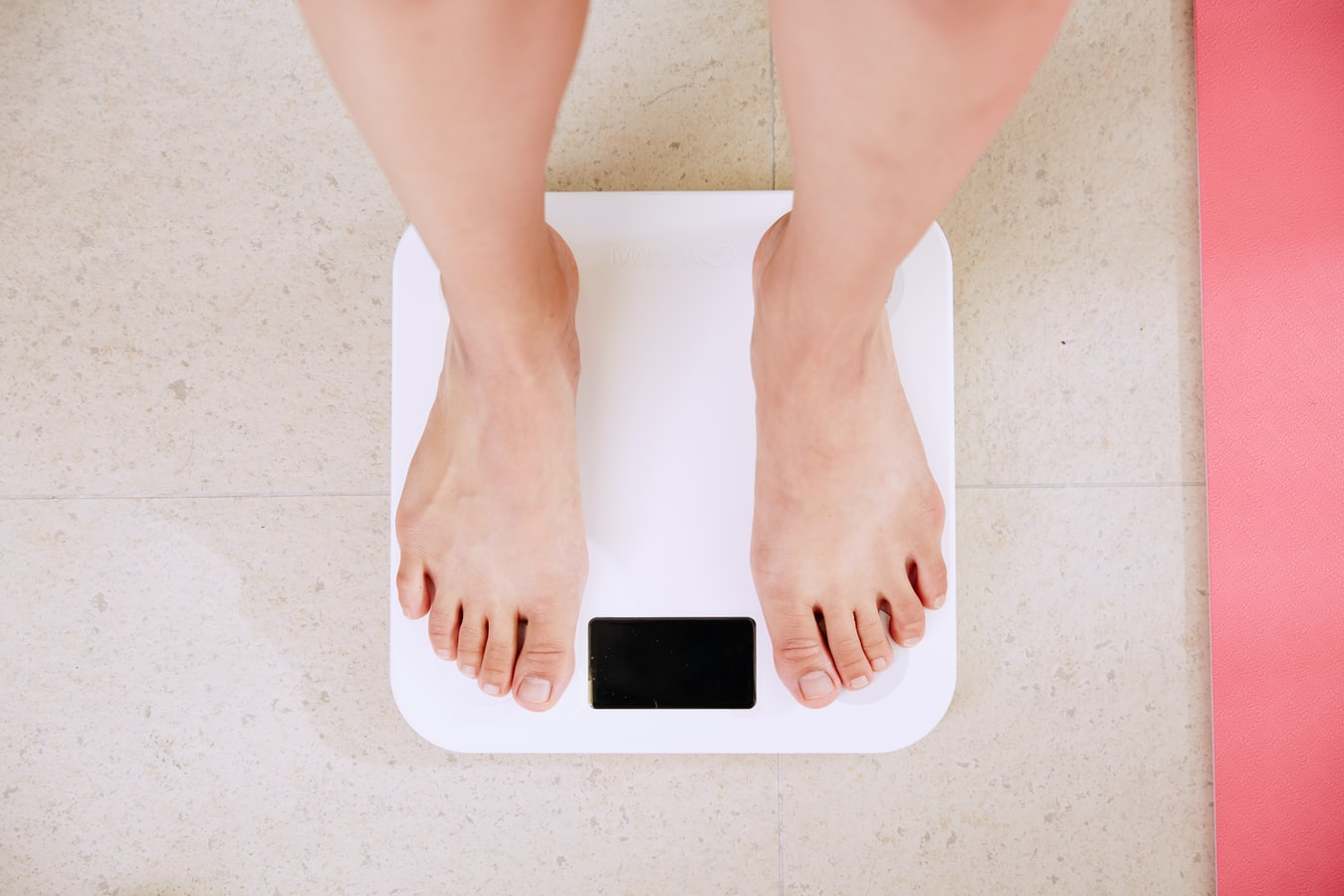 His Girlfriend is Unattractive to Him Because She's Gained Weight. What Should He Do?